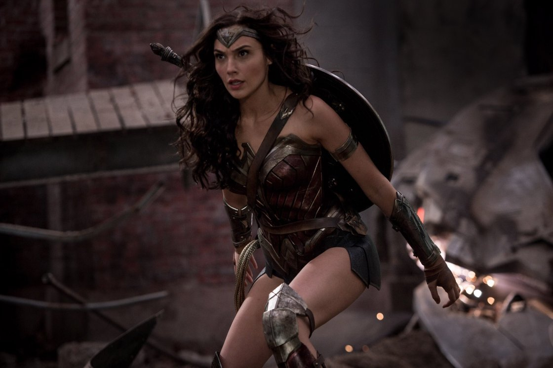 gal-gadot-wonder-woman-movie-still